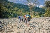 Hơn 30 du khách bị kẹt giữa vùng núi ở Khánh Hòa