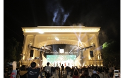 Vinhomes Star City khai trương Cổng chào Victoria và Quảng trường ánh sáng