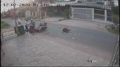 Người đàn ông hành hung nạn nhân sau pha va chạm giao thông gây phẫn nộ