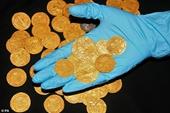 Phát hiện kho báu đồng tiền vàng quý hiếm 500 năm tuổi ở Anh