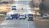 Một tuyến đường cao tốc ở Mỹ bị phong tỏa do nghi xe bom