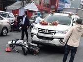 Va chạm với xe rước dâu, người phụ nữ tử vong