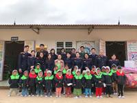 """Ấm áp Chương trình thiện nguyện """"Vững bước em đến trường"""" của VKSND huyện Điện Biên"""