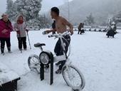 Tuyết rơi bất thường ở Đài Loan, 18 người chết do giá lạnh
