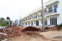 """Doanh nghiệp """"bất chấp"""" chính quyền xây dựng 26 căn nhà kiên cố bị xử phạt 280 triệu đồng"""