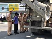 Kiểm sát hiện trường xe bồn ôm cua cán chết người tại Đồng Nai