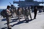 Iran ra mắt tàu sân bay trực thăng khủng