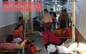 84 công nhân nhập viện sau bữa ăn trưa với triệu chứng ngộ độc thực phẩm