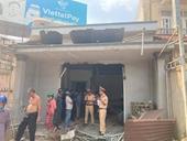 Cả nhà may mắn thoát hiểm khi xe tải tông sập nhà ở cầu vượt Dầu Giây