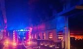 Hơn 1 000 công nhân tháo chạy do xưởng giầy bùng cháy
