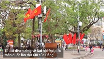 Thủ đô Hà Nội rộn ràng cờ hoa trước thềm Đại hội XIII của Đảng