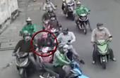 Truy xét nhóm đối tượng dàn cảnh va chạm giao thông móc túi người phụ nữ