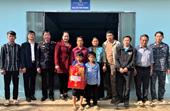 VKSND Sốp Cộp trao nhà và quà Tết cho người dân có hoàn cảnh khó khăn