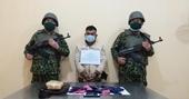 Bắt đối tượng người Lào vượt biên cùng gần 10 000 viên ma túy