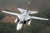 """Su-24 của Nga bất ngờ """"tạt đầu"""" khu trục hạm USS Donald Cook Mỹ ở Biển Đen"""
