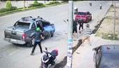 Mâu thuẫn tình cảm, nhóm đối tượng nổ súng bắn nhau trong quán nhậu