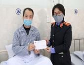 Chi đoàn VKSND TP Hải Phòng thăm và tặng quà bệnh nhân ung thư