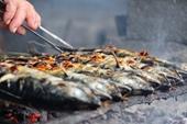 Về làng cá nướng thơm nức mũi nổi tiếng bậc nhất Hà Tĩnh