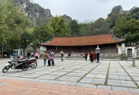 Di tích Quốc gia đặc biệt chùa Thầy tạm ngừng đón khách đề phòng COVID-19