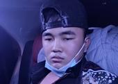 Thanh niên 20 tuổi dùng gạch, bình xịt chứa dầu gió đi cướp taxi