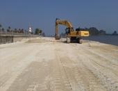 Công ty Phương Đông đổ đất trái phép xuống vịnh Bái Tử Long