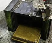Đề nghị truy tố các đối tượng đục két sắt trộm tiền vàng, kim cương ở Nhà Bè