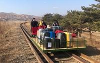 Giao thông đóng cửa do COVID-19, các nhà ngoại giao Nga rời Triều Tiên bằng xe đẩy đường sắt