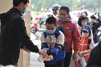 Học sinh Hà Nội trở lại trường, thực hiện nghiêm ngặt công tác phòng dịch COVID-19