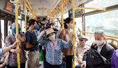 Hà Nội dừng giãn cách hành khách trên phương tiện vận tải từ ngày 8 3