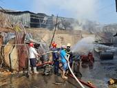 Nhà kho bất ngờ cháy lớn, nhiều tài sản bị thiêu rụi