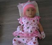 Tìm thân nhân bé gái 3 tháng tuổi bị bỏ rơi trước cổng nhà dân