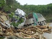 Hiện trường lạnh lẽo vụ TNGT thảm khốc 7 người tử nạn ở Thanh Hóa