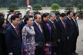 Đoàn Đại biểu Quốc hội vào Lăng viếng Chủ tịch Hồ Chí Minh