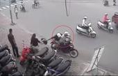 Tên cướp vứt xe tháo chạy khi bị đôi nam nữ truy đuổi