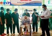 Bệnh nhân COVID-19 nặng nhất Việt Nam được công bố khỏi bệnh