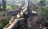 Kinh hoàng khoảnh khắc 2 đoàn tàu hỏa tông nhau khiến 140 người thương vong ở Ai Cập