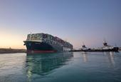 Tàu Ever Given thoát khỏi mắc cạn, kênh đào Suez thông luồng trở lại