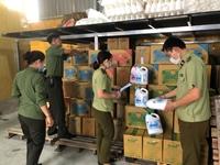 CLIP Bắt quả tang cơ sở sản xuất nước giặt giả nhãn hiệu Dnee của Thái Lan