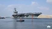 Clip tàu sân bay Mỹ Eisenhower quá cảnh kênh đào Suez ngay sau khi tuyến kênh mở cửa trở lại
