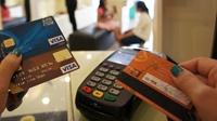 Mua giấy tờ giả làm thẻ tín dụng rồi chiếm đoạt hàng tỉ đồng