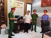 Tiếp tay cho tội phạm, Trưởng phòng công chứng bị khởi tố bắt tạm giam