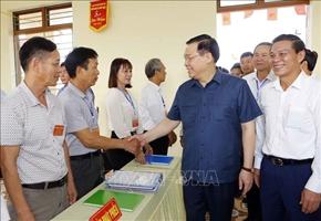 Chủ tịch Quốc hội Vương Đình Huệ kiểm tra công tác chuẩn bị bầu cử tại Hải Phòng