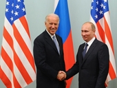 Tổng thống Mỹ Biden đề nghị một cuộc gặp sớm với người đồng cấp Nga