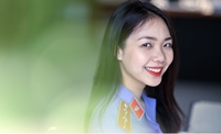Vẻ đẹp tinh khôi của nữ chuyên viên VKSND tỉnh Bình Dương