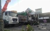 CLIP Phút kinh hoàng khi xe tải tông nát 5 ô tô dừng đèn đỏ