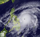 Siêu bão Surigae giật trên cấp 17 trên biển Đông, các địa phương hết sức cảnh giác