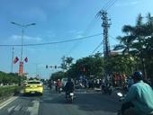 Ô tô tông chết người đi xe máy dừng đèn đỏ rồi bỏ trốn