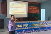 Cán bộ VKSND về nông thôn tuyên truyền Luật bầu cử