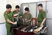 Hướng dẫn áp dụng các tội liên quan đến vũ khí quân dụng, vật liệu nổ và công cụ hỗ trợ