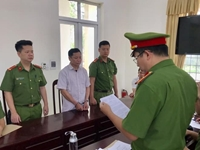 Phê chuẩn khởi tố, bắt tạm giam cựu Bí thư, Chủ tịch xã rút ruột ngân sách